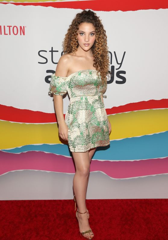 Sofie Dossi – 2018 Streamy Awards