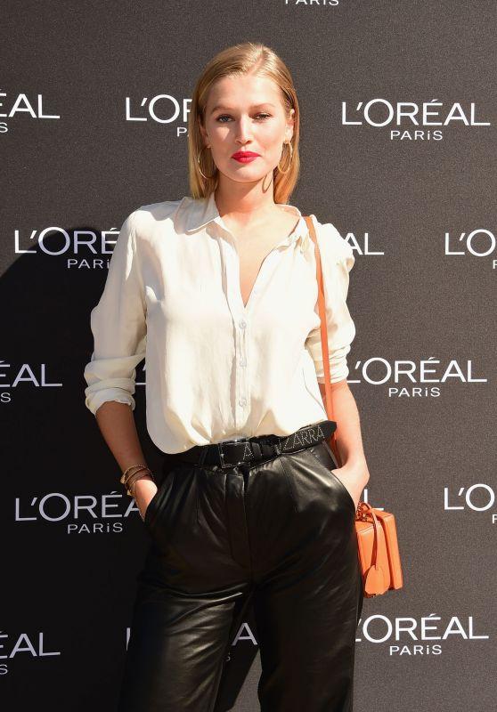 Toni Garrn -  L'Oreal Show at Paris Fashion Week 09/30/2018