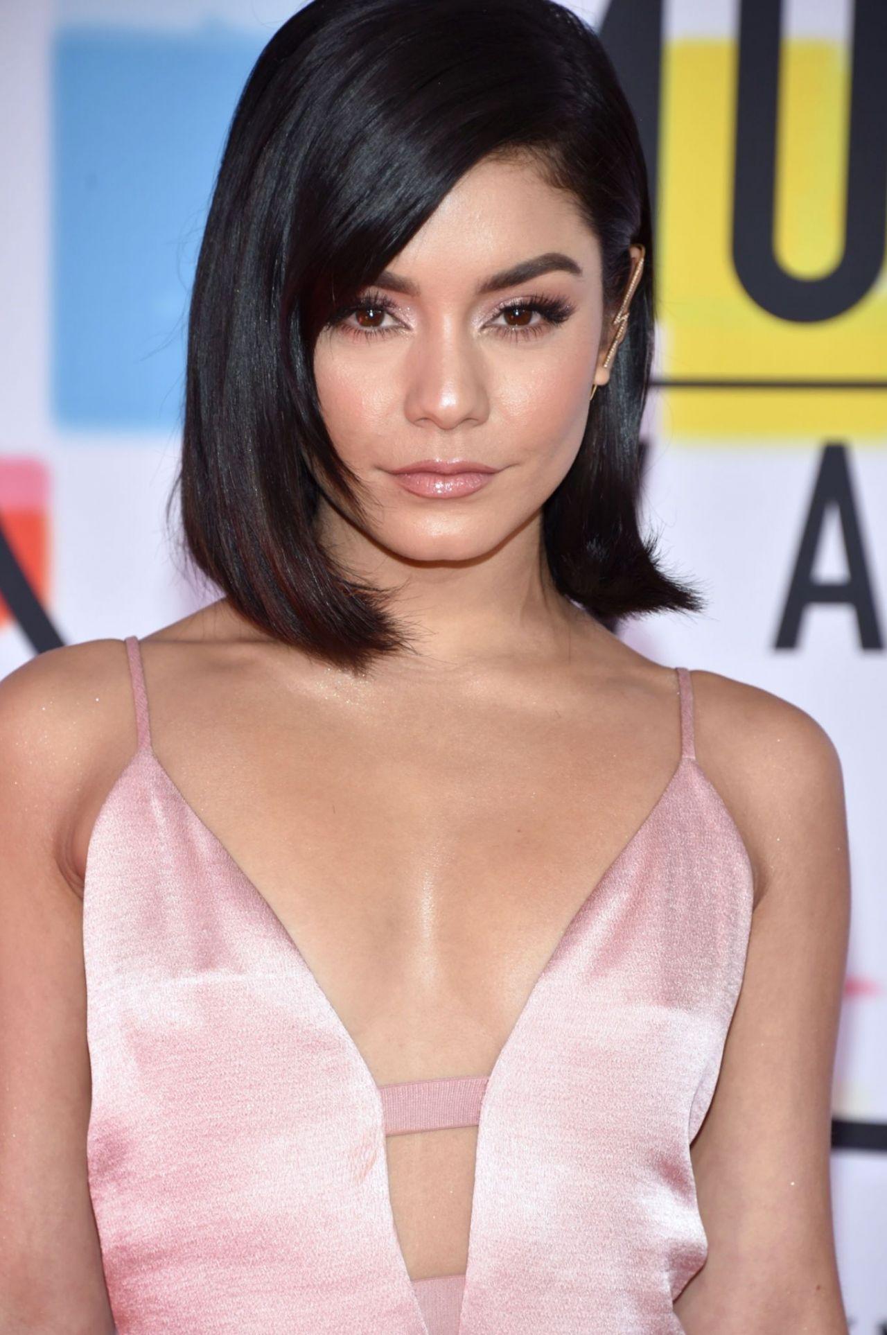 Vanessa Hudgens - 2018 American Music Awards in Los Angeles