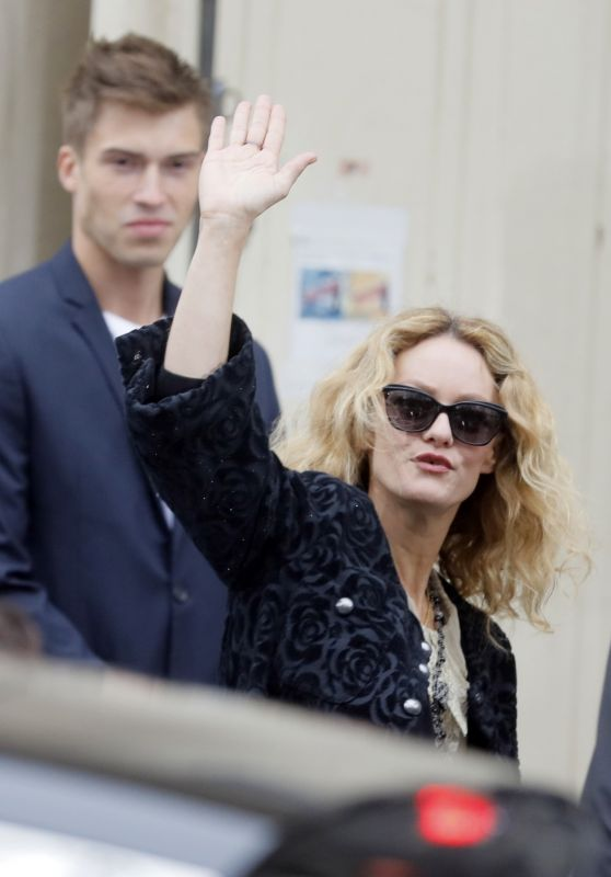 Vanessa Paradis at the Chanel Collection Ready-to-Wear Show in Paris 10/02/2018