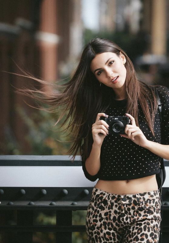 Victoria Justice - Personal Pics 10/01/2018