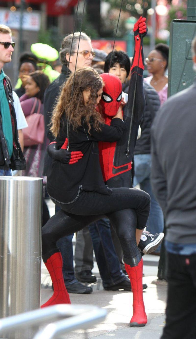 "Zendaya Coleman - ""Spider-Man: Far from Home"" Set in New ..."