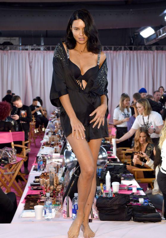 Adriana Lima – 2018 Victoria's Secret Fashion Show Backstage in NYC