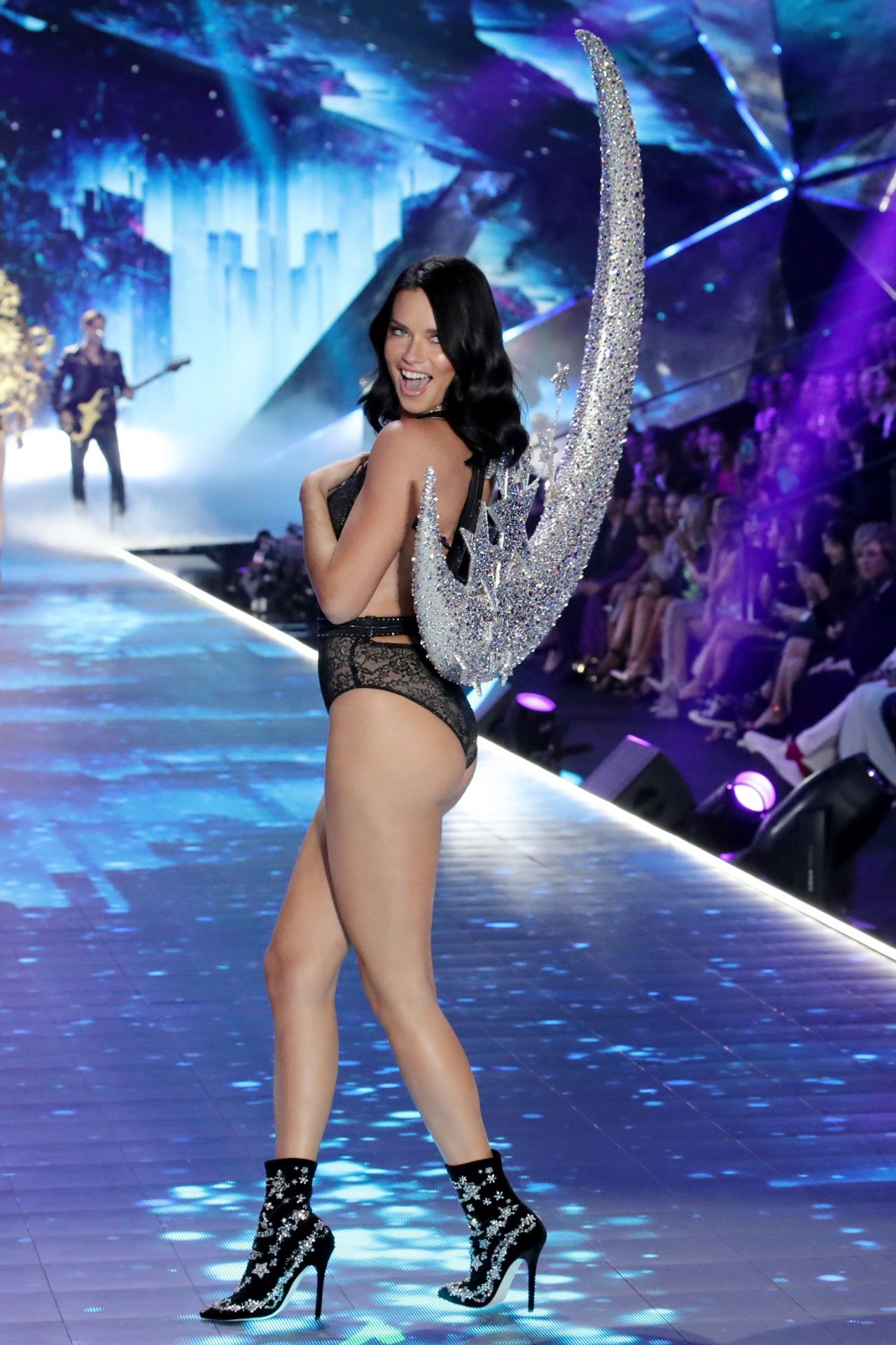 Adriana Lima 2018 Vs Fashion Show Runway Part Ii
