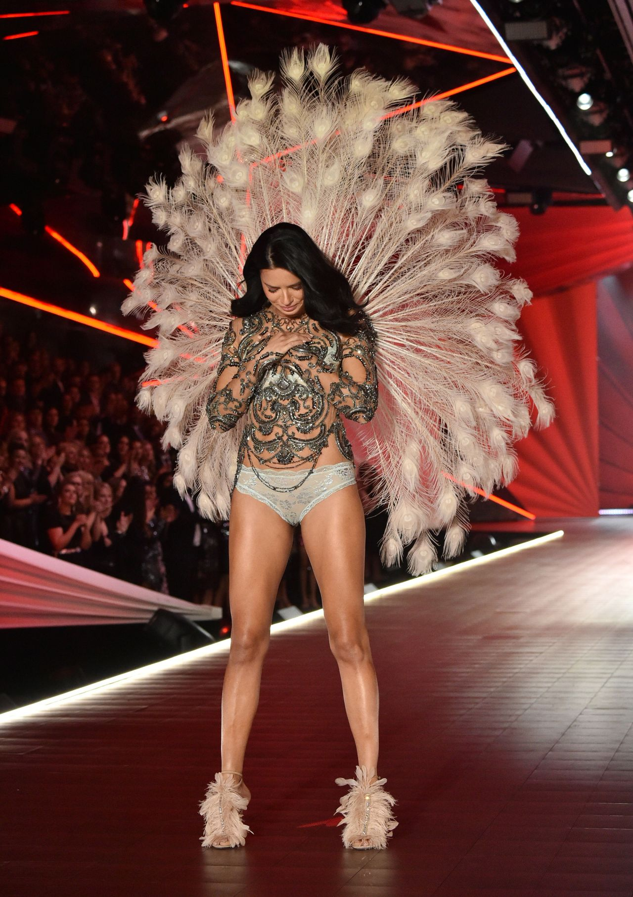 adriana lima  u2013 2018 vs fashion show runway  part ii