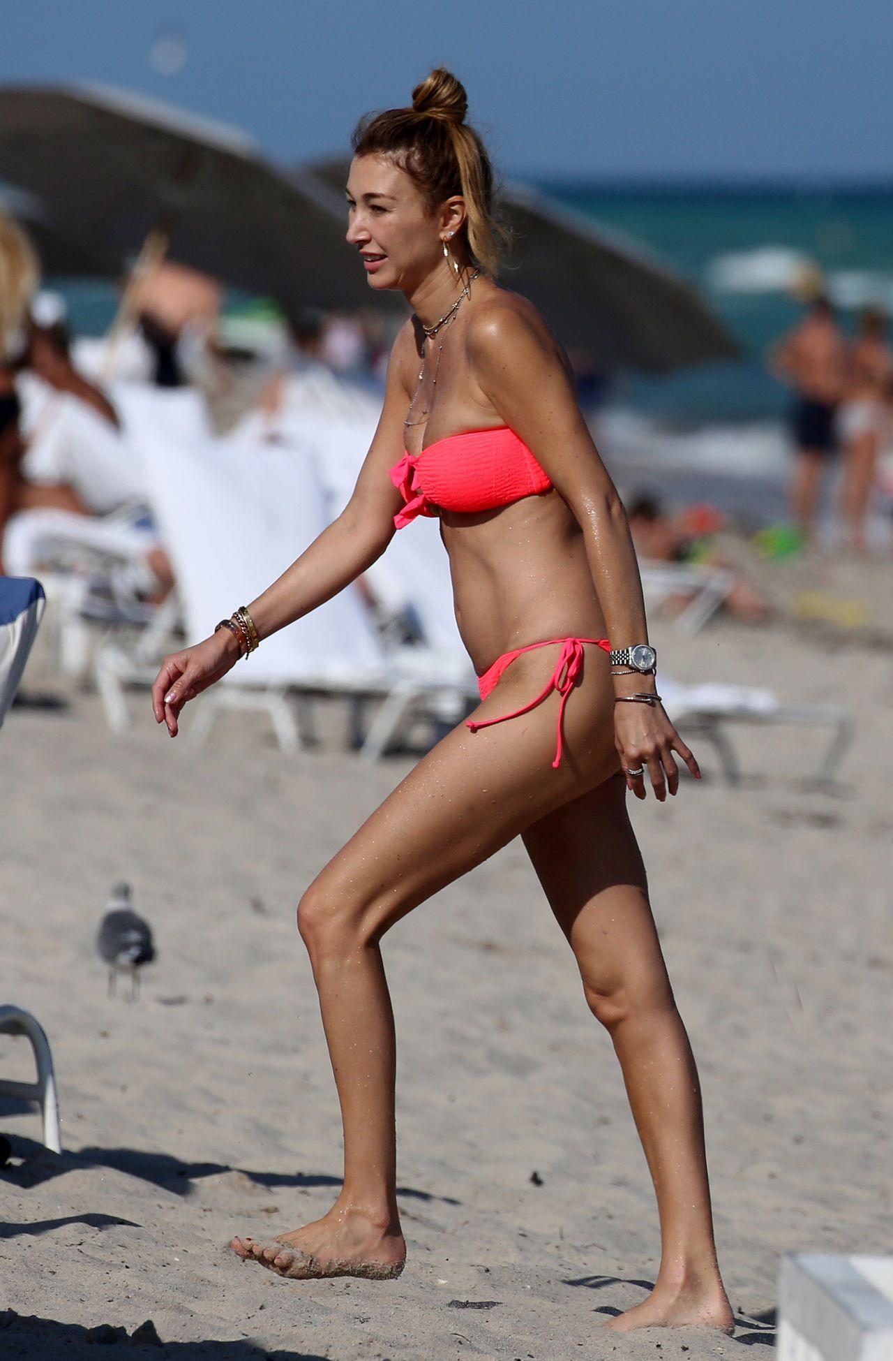 Marielle Hadid Nude Photos 12