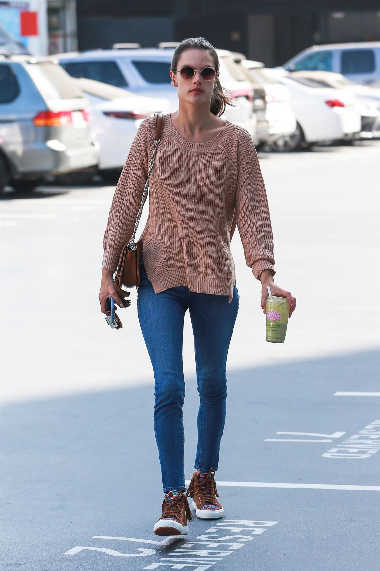 a255b12be724 Alessandra Ambrosio at Pacific Coast Sports Medicine in Brentwood 11 08 2018