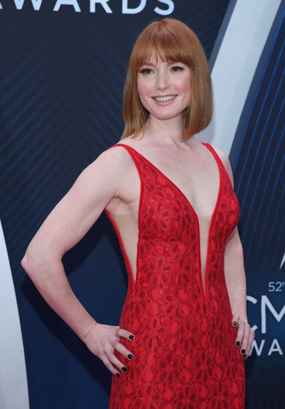 Alicia Witt – 2018 CMA Awards