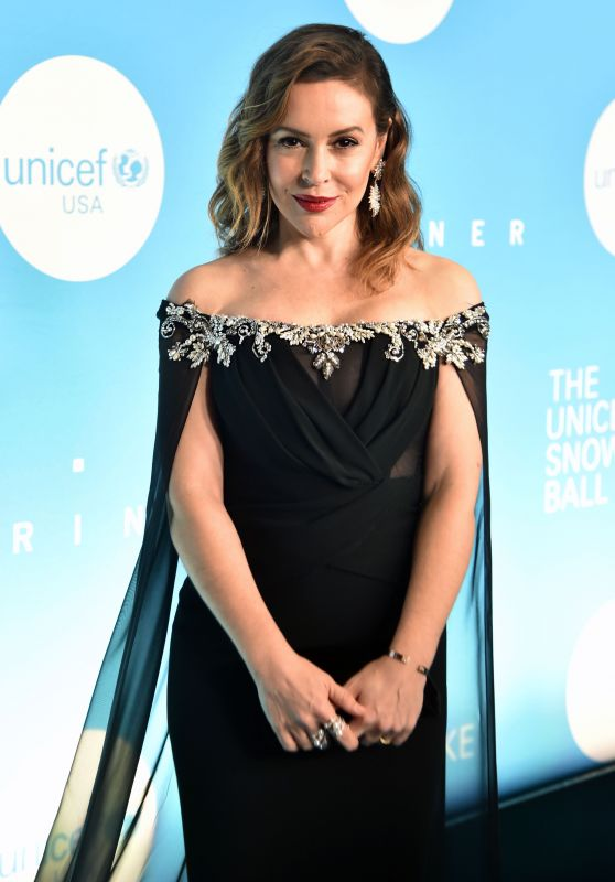 Alyssa Milano - 2018 UNICEF Snowflake Ball in New York