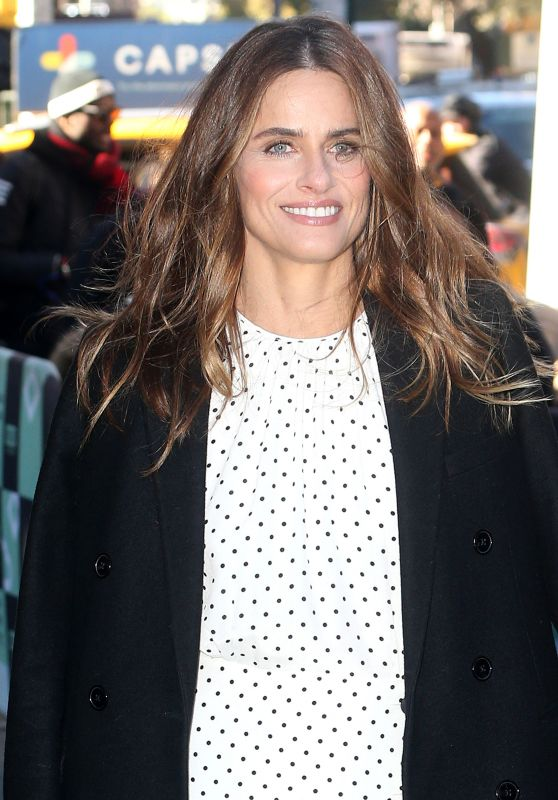 Amanda Peet at BUILD Series in NYC 10/30/2018