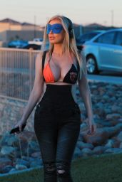 Ana Braga - Out in Los Angeles 11/04/2018