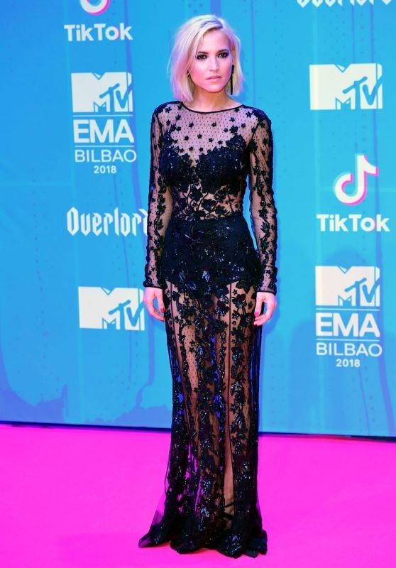 Ana Fernandez – MTV EMA's 2018 in Bilbao