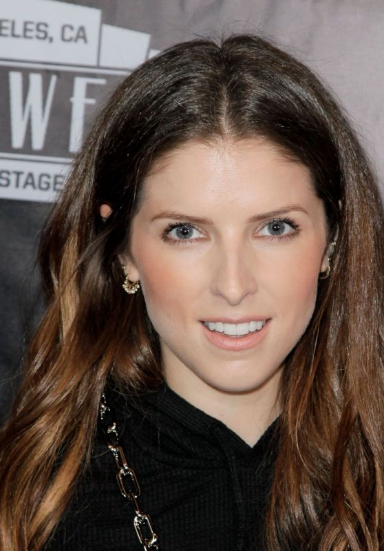 "Anna Kendrick - ""The Unauthorized Musical Parody of Stranger Things"" in LA 11/03/2018"