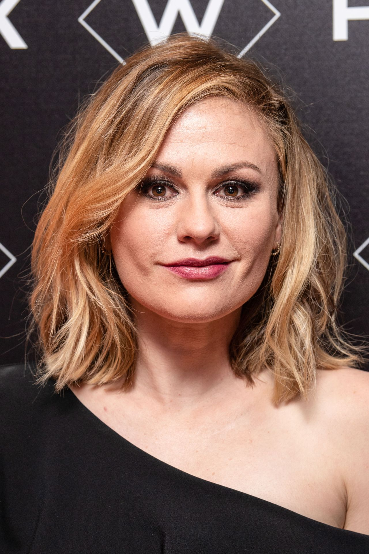 "Anna Paquin - ""Flack"" TV Show Premiere in London Anna Paquin"