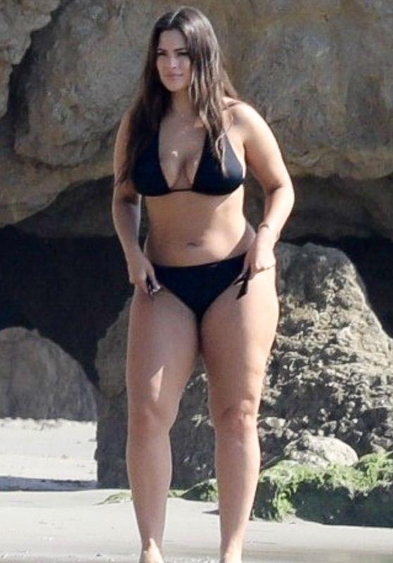 Ashley Graham in Bikini - Photoshoot on the Beach in Malibu 11/06/2018