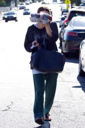 Ashley Olsen Street Style - Grabs Some Coffee in LA 11/03/2018