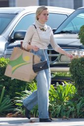 Ava Phillippe Casual Style - Shopping in Brentwood 11/20/2018
