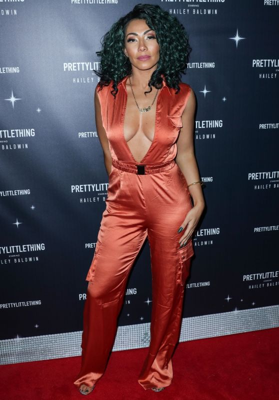 Bridget Kelly – PrettyLittleThing x Hailey Baldwin Event in LA 11/05/2018