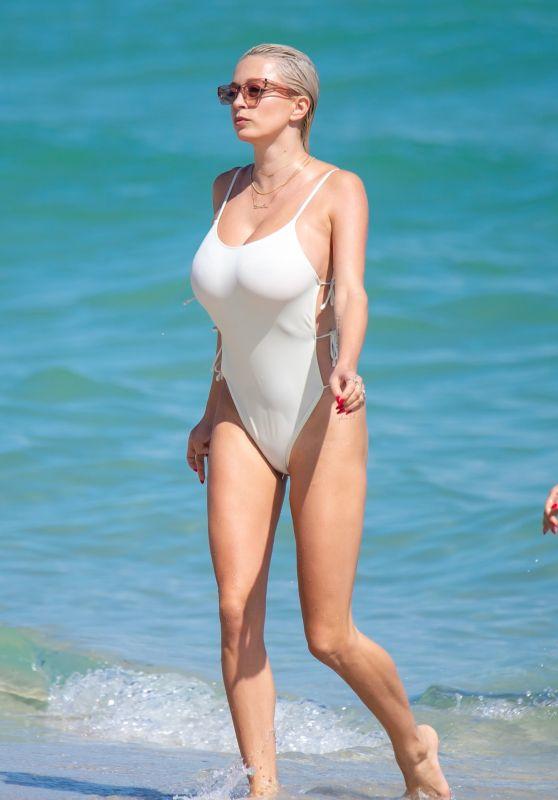 Caroline Vreeland in a White Swimsuit 11/05/2018