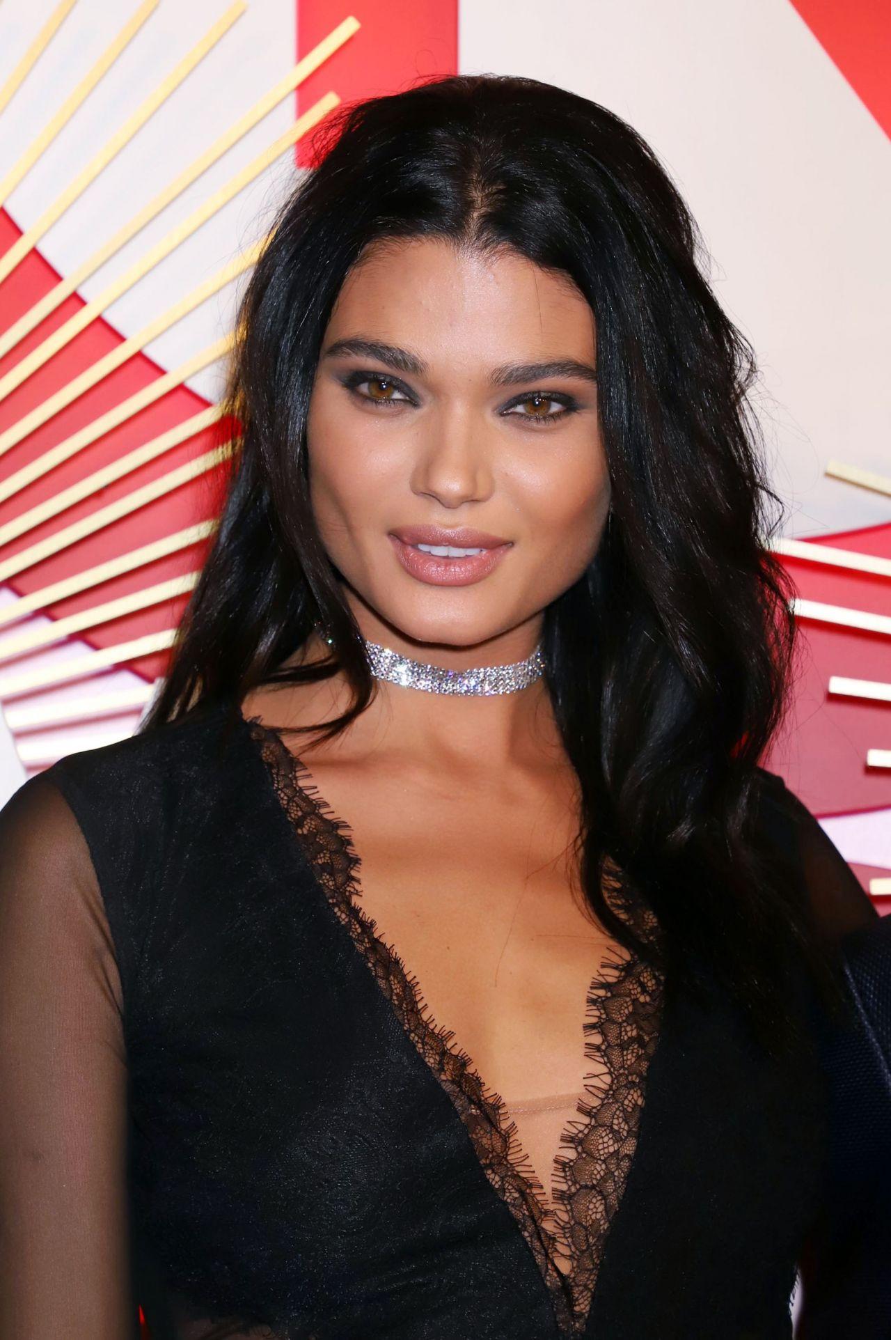 Celebrity Daniela Braga nudes (44 images), Bikini