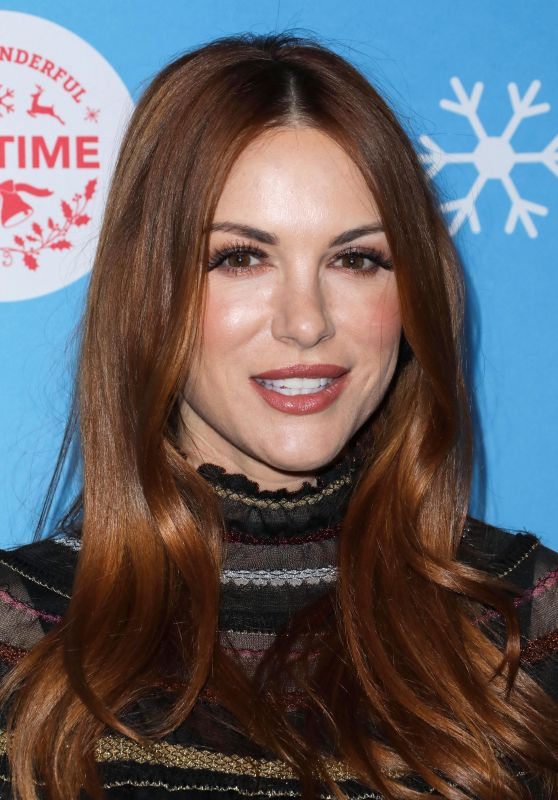 Danneel Harris – Gingerbread House Experience in LA 11/14/2018