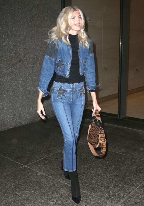 Devon Windsor - Out in NYC 11/06/2018