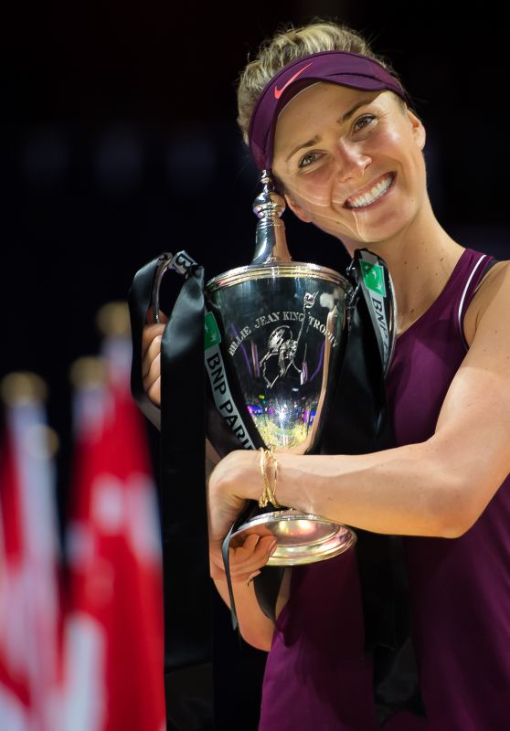 Elina Svitolina - Poses With Her Champions Trophy Winning of the 2018 WTA Finals in Singapore