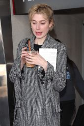 Elizabeth Debicki Arriving on a Flight at LAX 11/14/2018