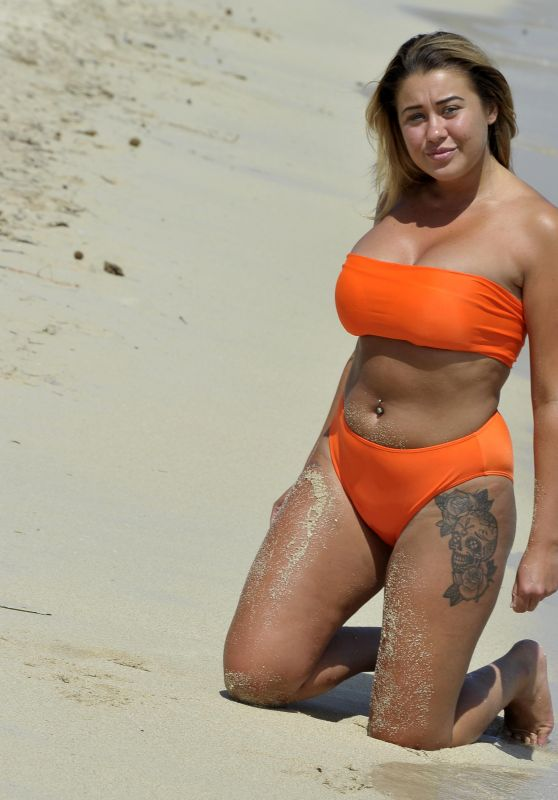 Ellie Young in Bright Orange Bikini 11/07/2018