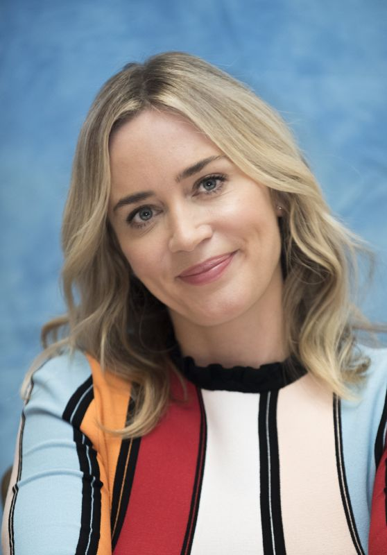 """Emily Blunt - """"Mary Poppins Returns"""" Press Conference in Beverly Hills"""