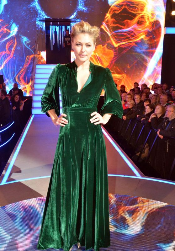 Emma Willis - Big Brother Final Night in Borehamwood 11/05/2018