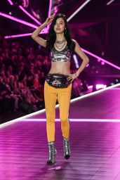 Estelle Chen – 2018 VS Fashion Show Runway