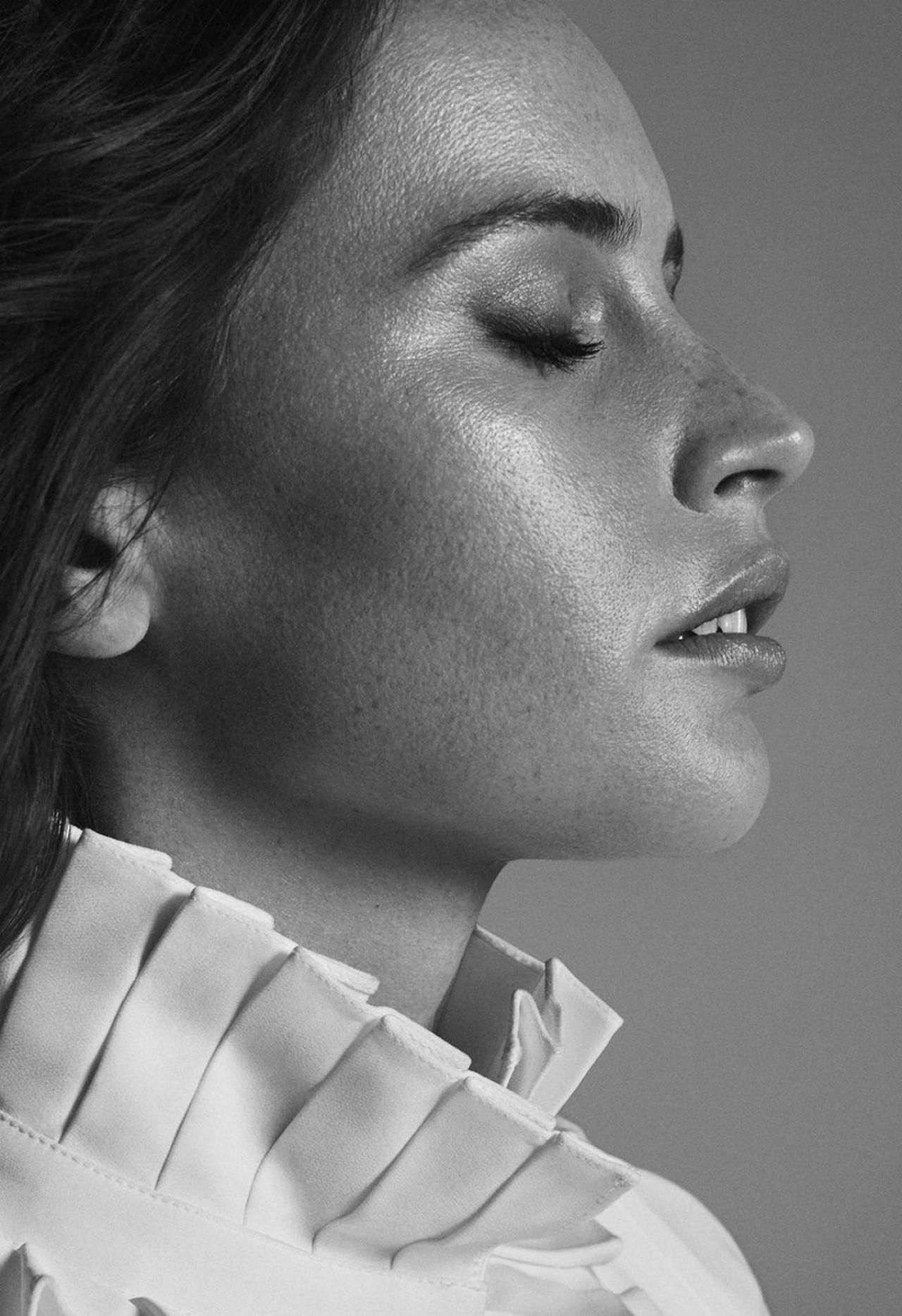 https://celebmafia.com/wp-content/uploads/2018/11/felicity-jones-s-magazine-winter-2019-0.jpg