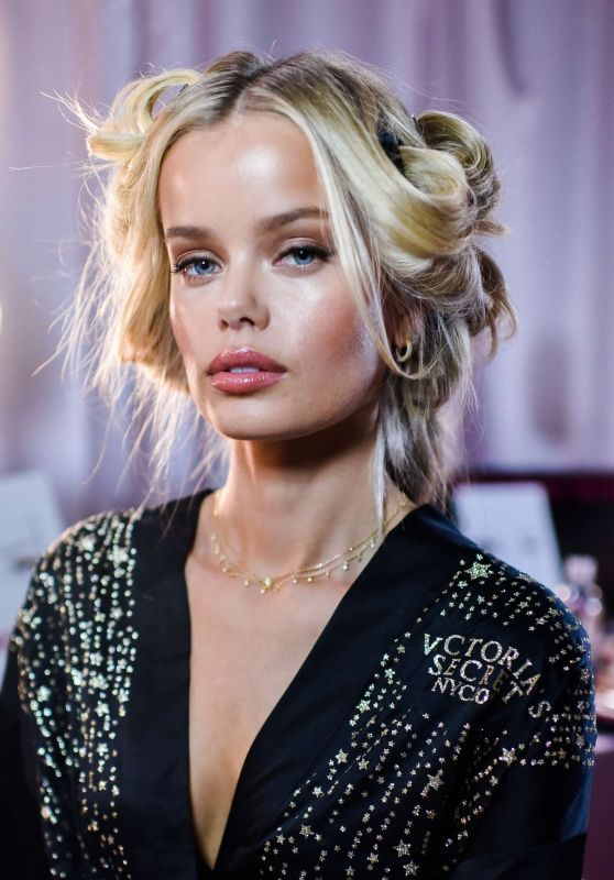 Frida Aasen – 2018 Victoria's Secret Fashion Show Backstage in NYC