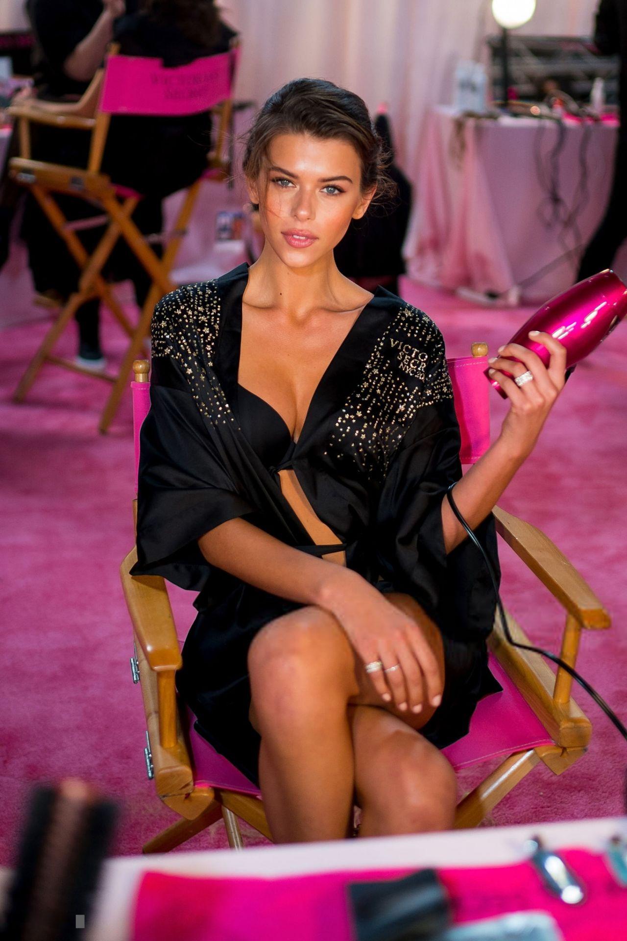 Georgia Fowler – 2018 Victoria's Secret Fashion Show ...