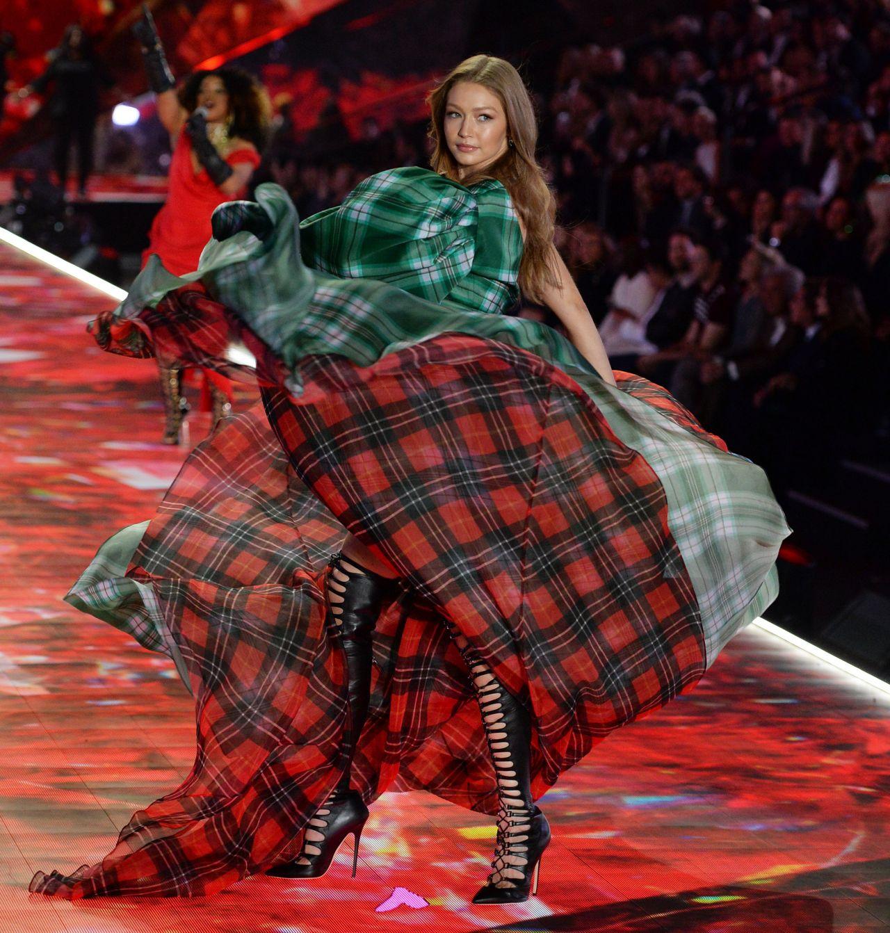 Vs Fashion Show  Gigi