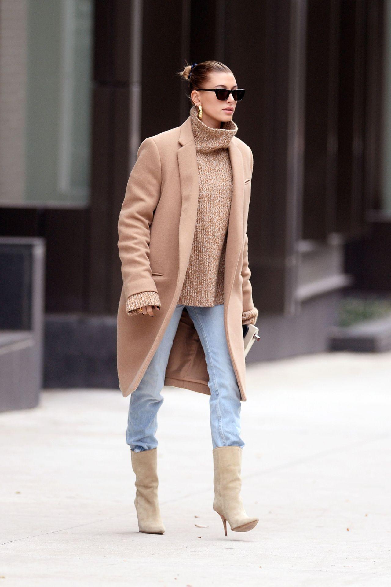 Hailey Baldwin Street Style 11/18/2018
