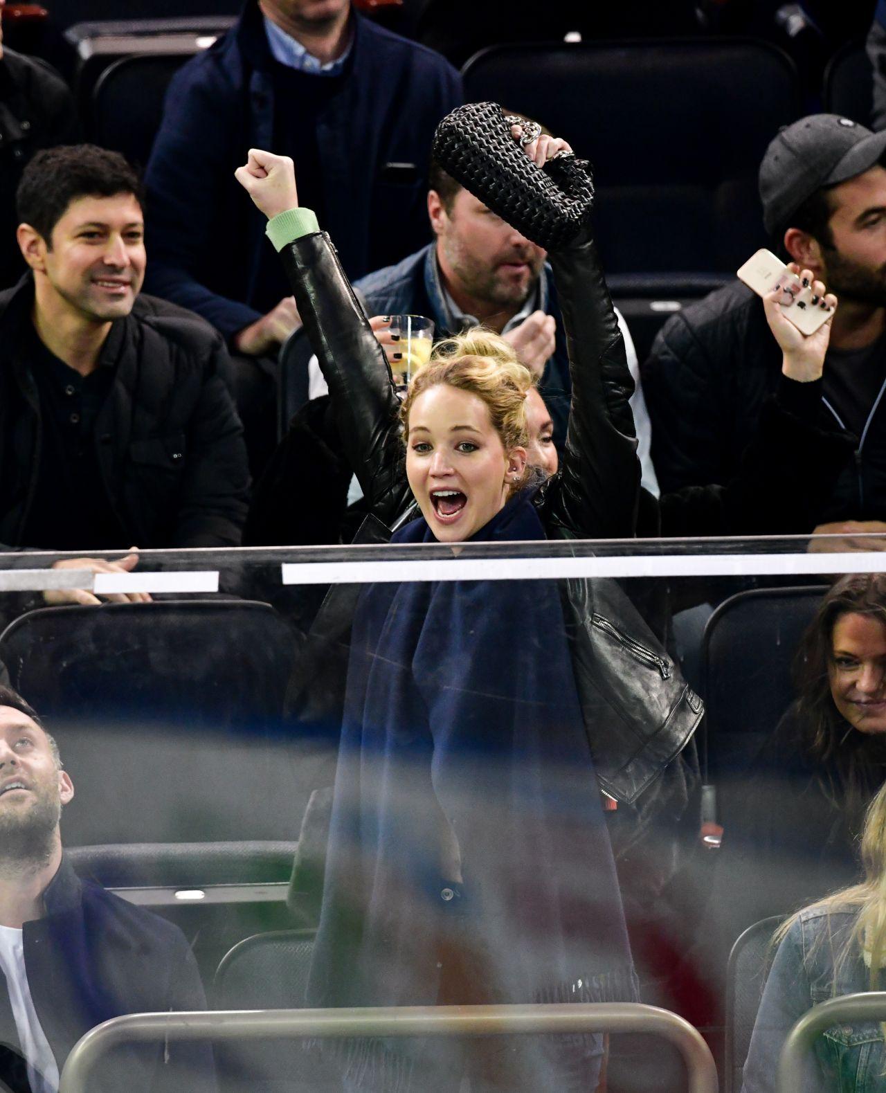 https://celebmafia.com/wp-content/uploads/2018/11/jennifer-lawrence-new-york-rangers-v-buffalo-sabres-nhl-hockey-game-in-new-york-11-04-2018-3.jpg