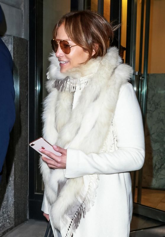 Jennifer Lopez - Hits the Gym in NYC 11/27/2018