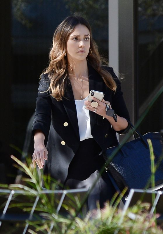Jessica Alba - Leaving a Business Meeting in Los Angeles 10/31/2018