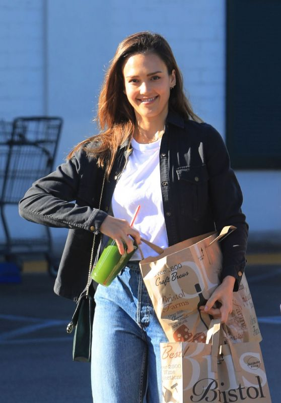 Jessica Alba - Out in Los Angles 11/27/2018