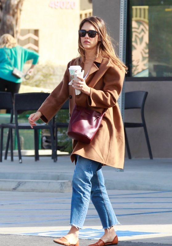 Jessica Alba - Out in Palm Springs 11/18/2018