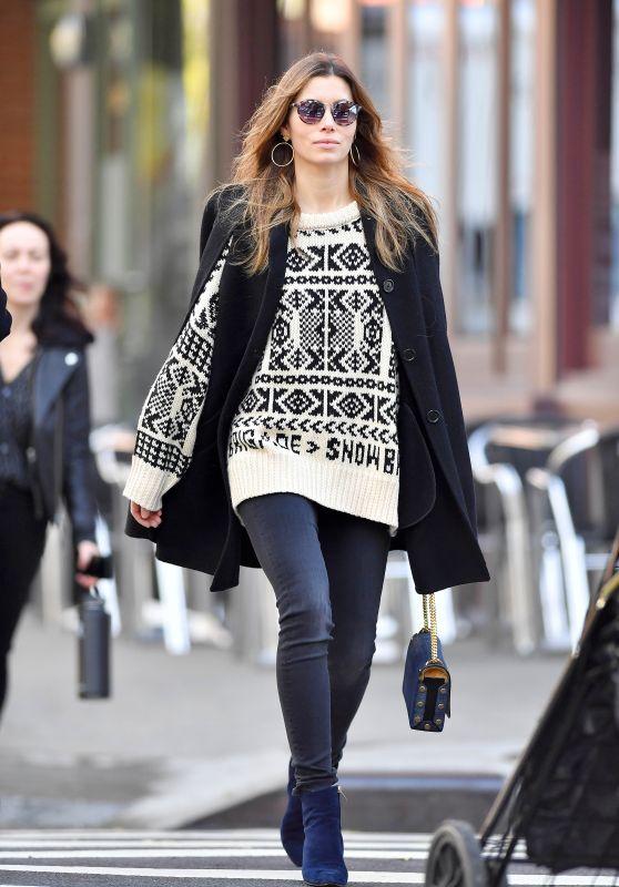 Jessica Biel Cute Street Style 11/01/2018