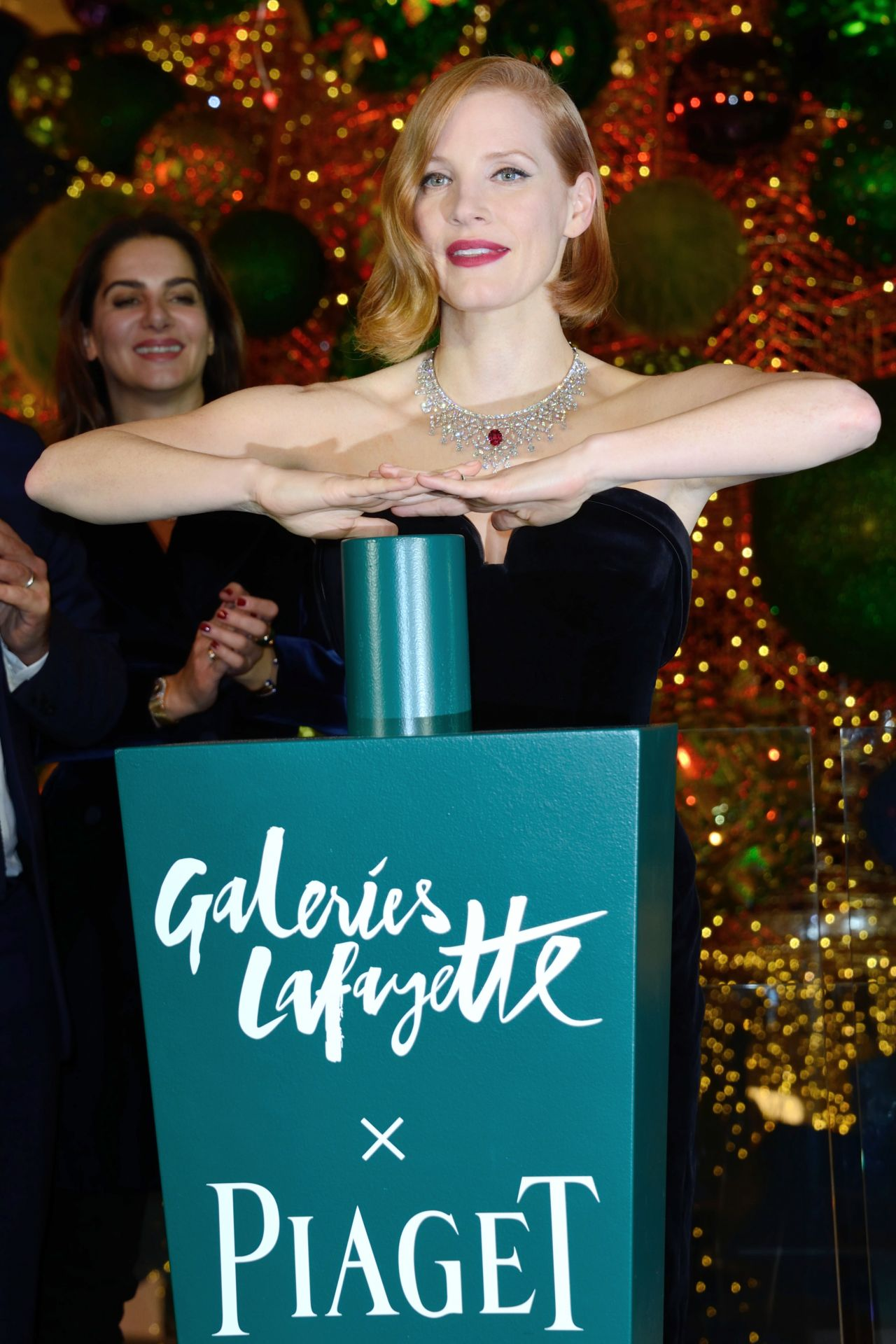 https://celebmafia.com/wp-content/uploads/2018/11/jessica-chastain-at-the-les-galeries-lafayette-christmas-decorations-inauguration-in-paris-11-07-2018-6.jpg