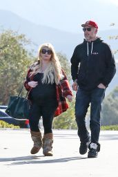 Jessica Simpson - Shopping in Calabasas 11/26/2018