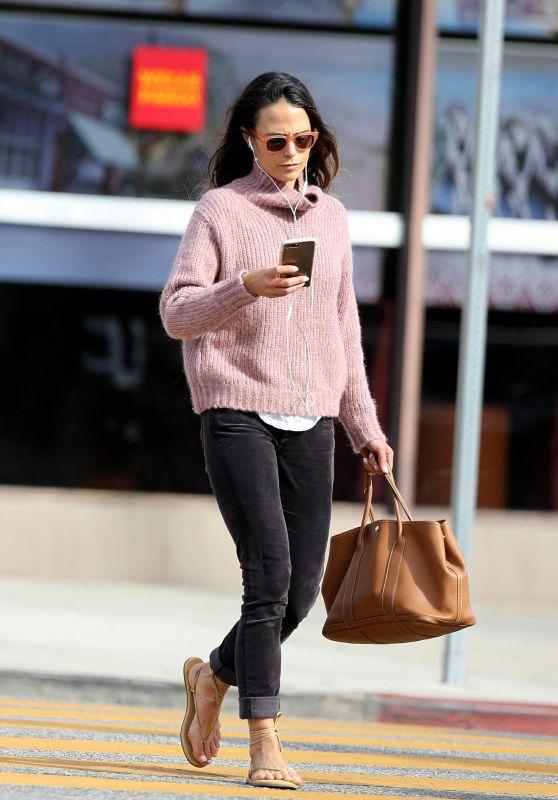 Jordana Brewster Street Style 11/27/2018