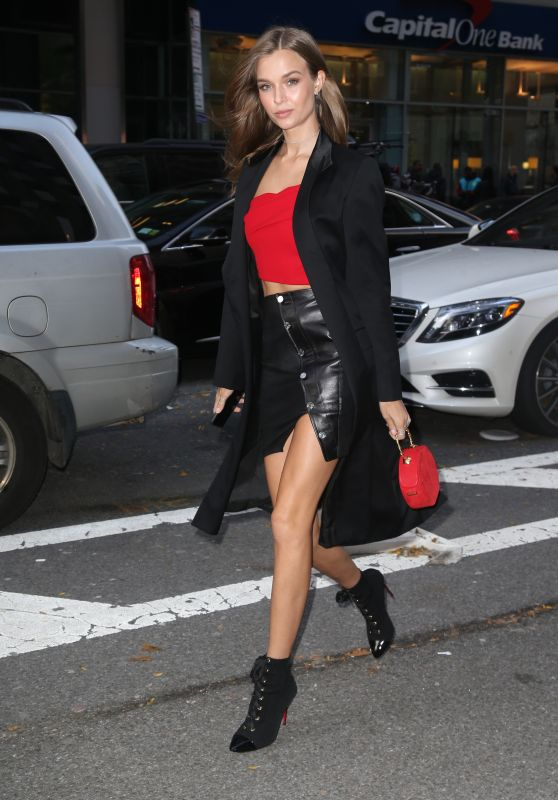 Josephine Skriver is Looking All Stylish 11/07/2018