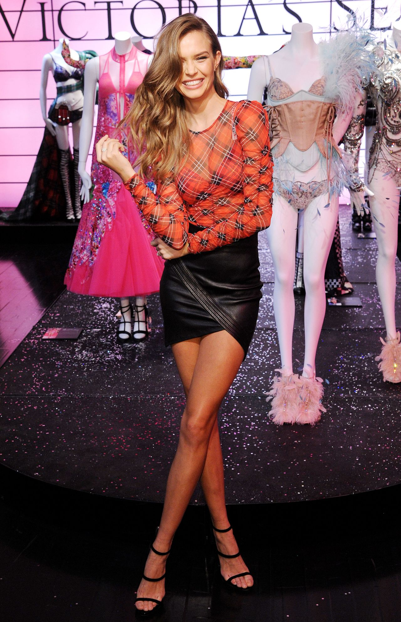 Josephine Skriver Vs Shop The Show Event In Nyc 11 29 2018