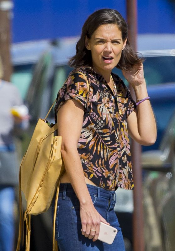 Katie Holmes Street Style - Getting Coffee in New Orleans 10/30/2018