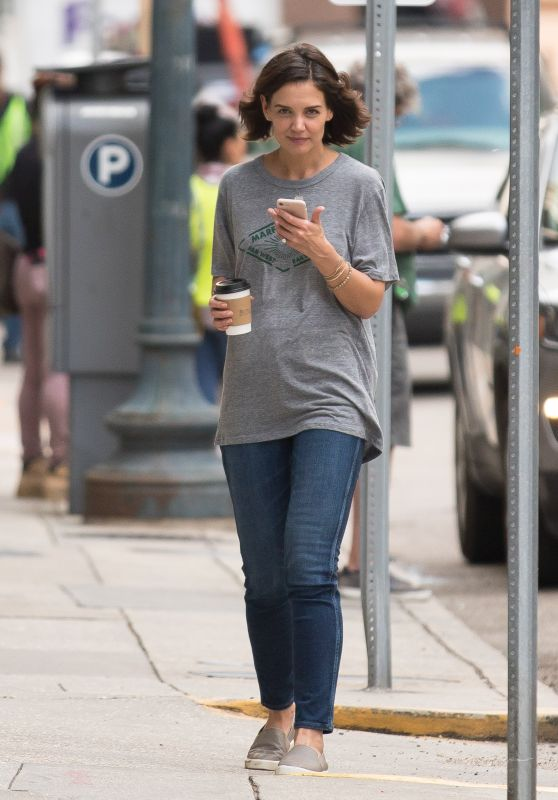 """Katie Holmes - """"The Secret"""" Set in New Orleans 10/31/2018"""